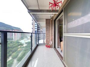 佳兆业前海广场 2室2厅 77.14㎡ 精装_佳兆业前海广场二手房阳台图片9
