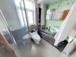 美庐锦园 6室2厅 243.42㎡_美庐锦园二手房卫生间图片12