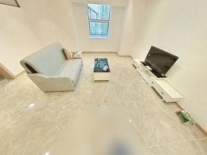 爵士大厦 1室1厅 72㎡ 整租_爵士大厦租房客厅图片3