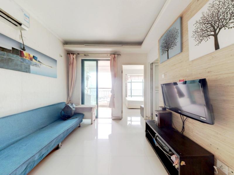 城市东座公寓 2室1厅 49.3㎡ 精装_城市东座公寓二手房客厅图片1