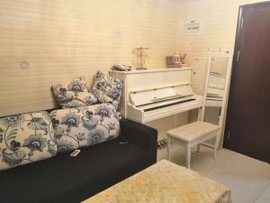港澳8号 2室1厅 67㎡ 整租_港澳8号租房客厅图片2