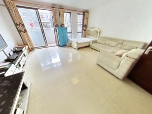 悦城花园一期 4室2厅 140㎡ 整租_悦城花园一期租房客厅图片3